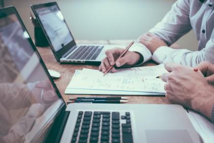 لماذا لا يلتزم فريقك الإبداعي باستخدام أداة إدارة المشاريع الخاصة بك؟